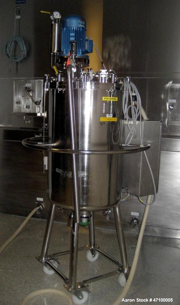 Used- Packo Inox Pressure Tank, 52.8 Gallon (200 Liter), 316 Stainless Steel, Vertical. Approximate 20 diameter x 34 straigh...