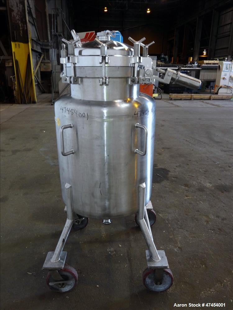 Used- Lee Industries Pressure Tank, Model 55 DBT, Approximate 55 Gallons, 316 St