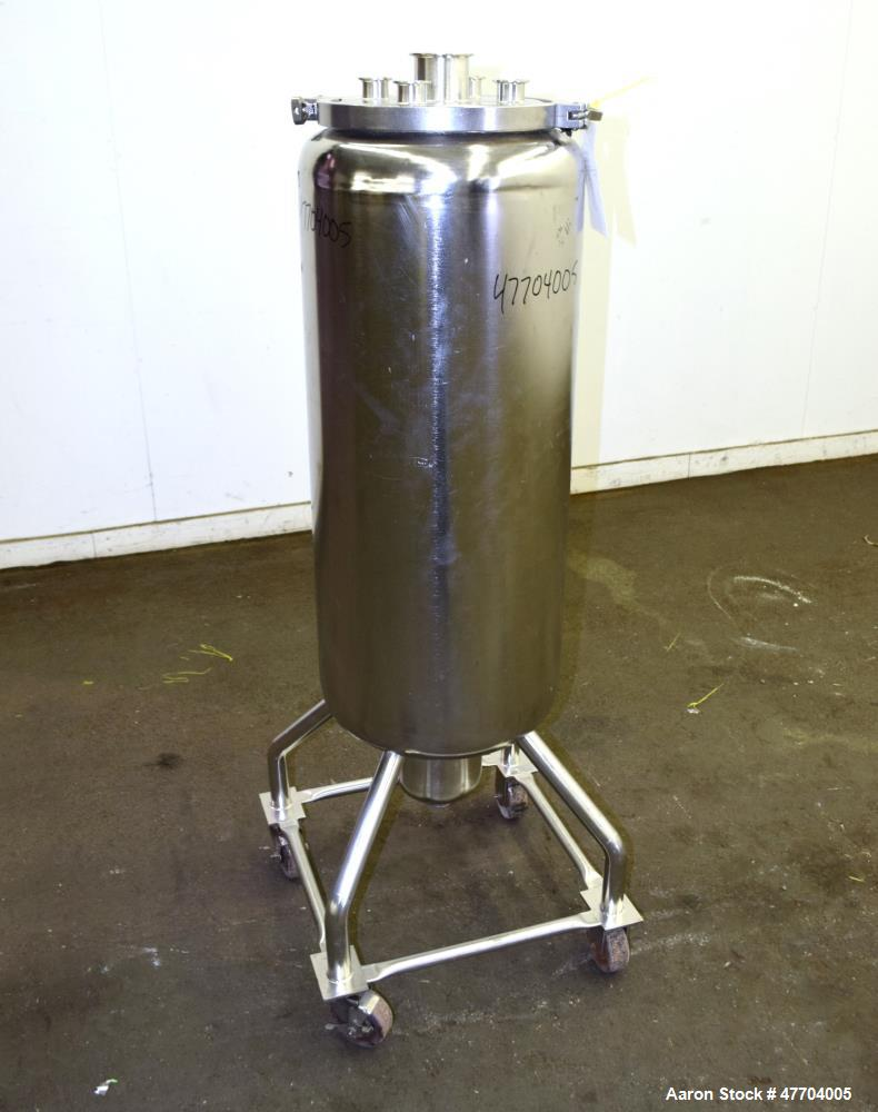 "Used- Tank, 30 Gallon, 316 Stainless Steel, Vertical. Approximate 16"" diameter x 34"" straight side, flat clamp on top, dishe..."