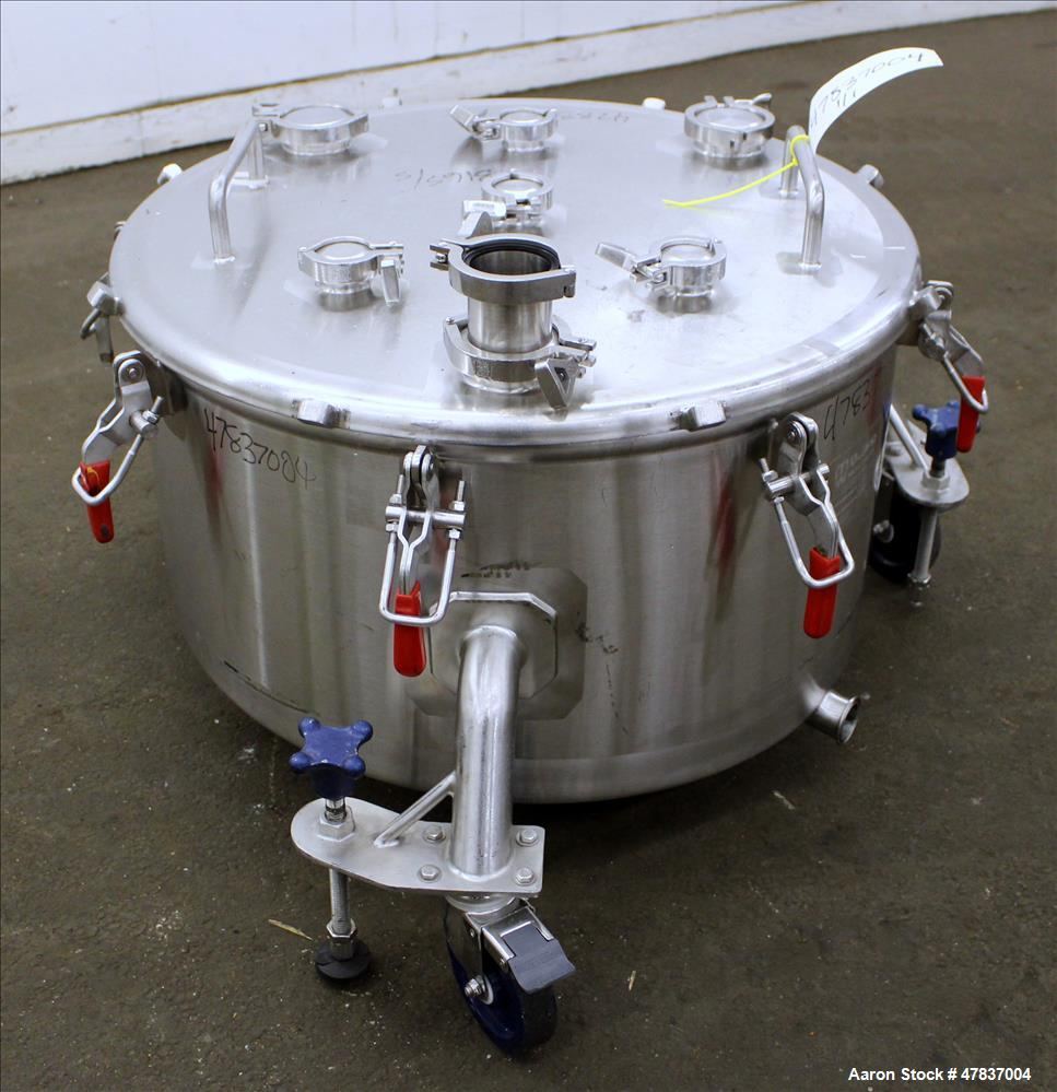 "Used- Bulling Metal Works Tank, 40 Gallon, 316L Stainless Steel, Vertical. 28"" Diameter x 15"" straight side, flat clamp on t..."
