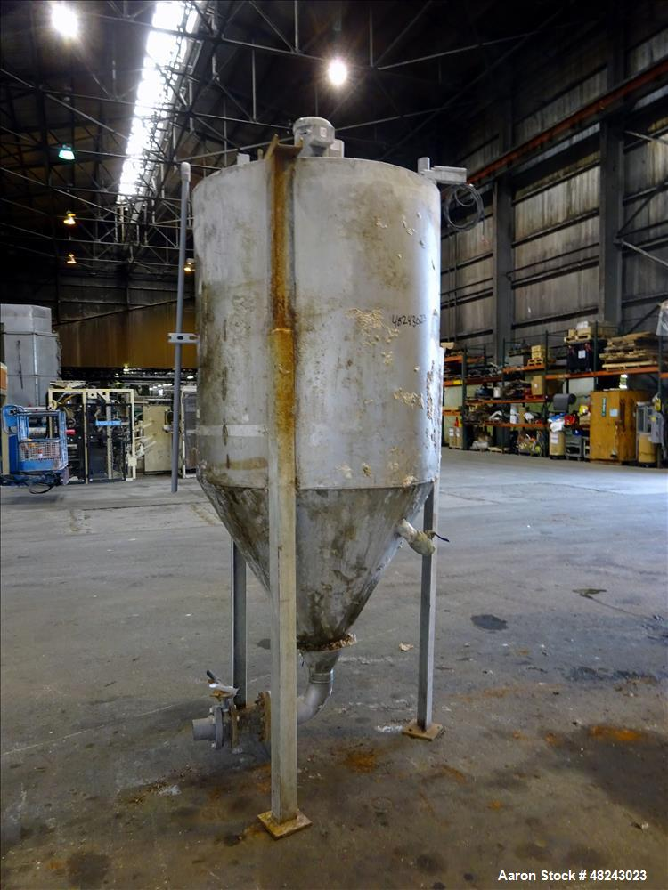 Used- Tank, Approximately 350 Gallon, 304 Stainless Steel, Vertical.