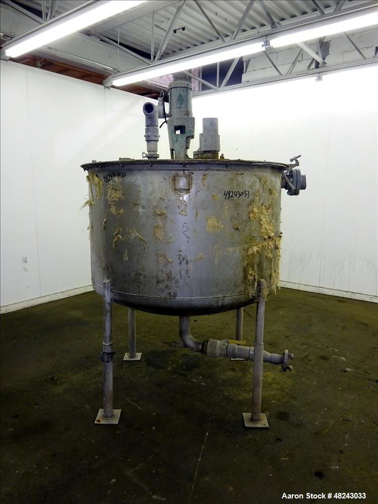 Used- Tri-Canada Mix Tank, 300 Gallon, 304 Stainless Steel, Vertical.