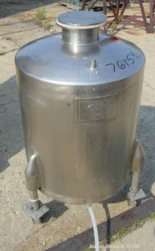 "Used- Will-Flow stainless steel pressure tank, 60 gallon, dish top. Top openings: (1) 6"" with flat bolt down cover, (2) 1/2""..."