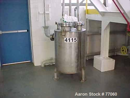 "USED:Metro tank, 110 gallon, stainless steel, vertical. 29-1/2""diameter x 38"" straight side. Flat top and bottom. Openings: ..."