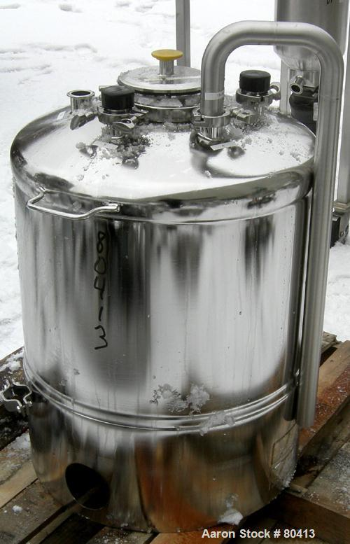 USED: Alloy Products pressure tank, 124 lt total, 100 lt working, 316L stainless steel. Tank rated for 90 psi at 302 deg F. ...