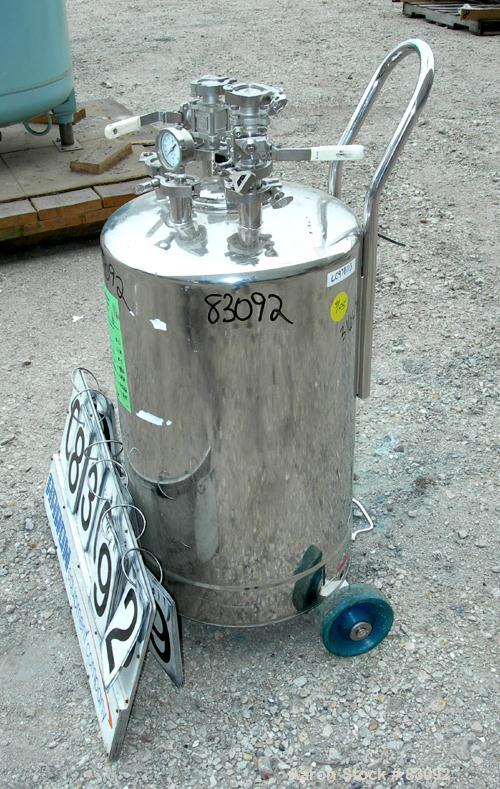 "USED: Alloy Products pressure tank, 25 gallon, 316L stainless steel, vertical. 18' diameter x 24"" straight side. Dished top ..."
