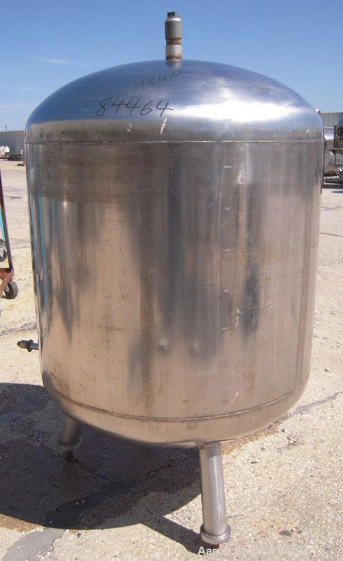 "Used- Grundy Pressure Tank, 182 gallon, 304 stainless steel, vertical. 38"" diameter x 30"" straight side, dished top and bott..."