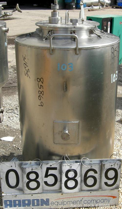 "Used- Tank, 95 Gallon, 316 Stainless Steel, Vertical. 28"" diameter x 36"" straight side, flat top and bottom. 1"" diameter sha..."