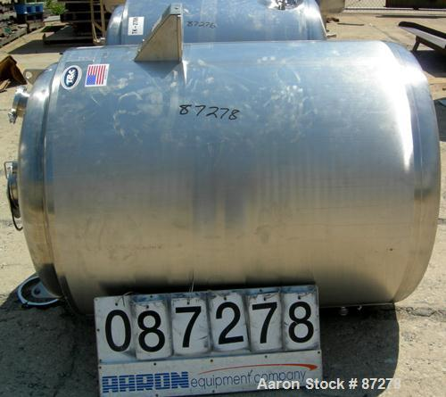 "USED: T&C stainless pressure tank, 1000 liter (264 gallon), 316L stainless steel, vertical. 40"" diameter x 48"" straight side..."
