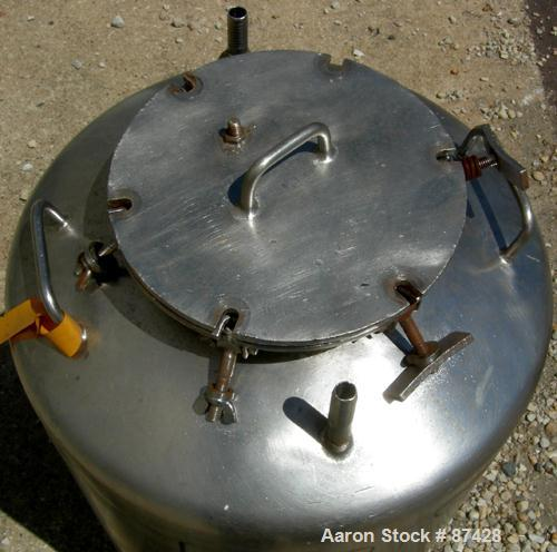"USED: Tank, 25 gallon, 304 stainless steel, vertical. 18"" diameter x 24"" straight side, dish top and bottom. Openings: top (..."