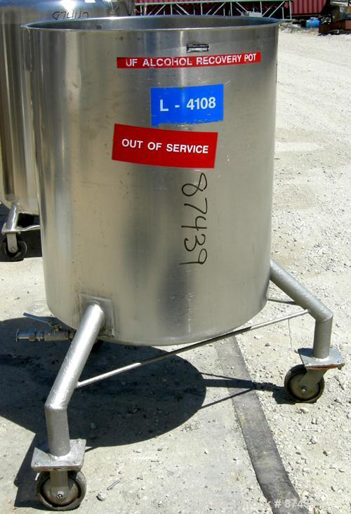 "USED: Tank, 115 gallon, 321 stainless steel, vertical. 30"" diameter x 35"" straight side, open top, no cover, dish bottom. (3..."