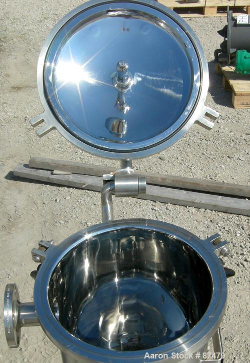 "USED: Lee Industries tank, 9 gallon, 304 stainless steel, vertical. 12"" diameter x 18"" straight side. Dished hinged top, dis..."