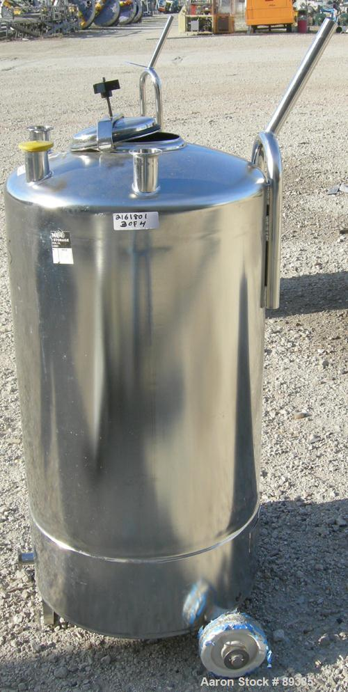 "USED: Alloy Products pressure tank, 25 gallon, 316 stainless steel, vertical. 18"" diameter x 25"" straight side. Dished top a..."