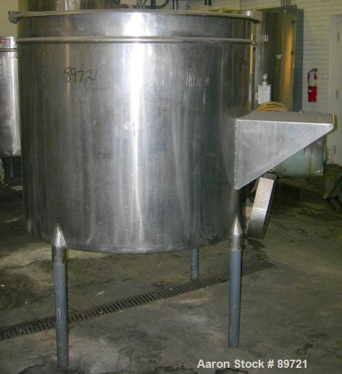 "USED: Filpaco tank, 425 gallon, 304 stainless steel, vertical. 52"" diameter x 47"" straight side, open top with a 2 piece cov..."