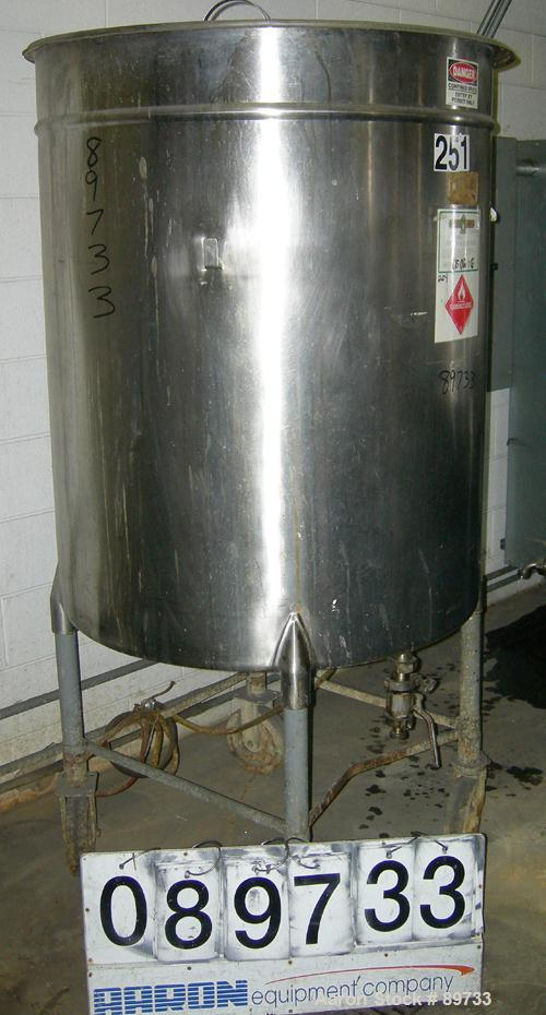 "USED: Filpaco tank, 225 gallon, 304 stainless steel, vertical. 38"" diameter x 46"" straight side, open top with cover, flat b..."