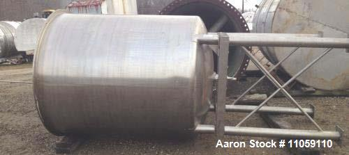 "Used- 1,100 Gallon Scott Turbon Stainless Steel Tank. Open top with dish bottom. 5'6"" diameter x 6' T/T, 11'10"" OAH. 3"" outl..."