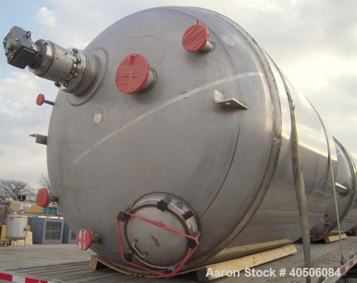 "Unused- Mueller Pressure Tank, 2,500 Gallon, Model ""F"", 304L stainless steel, vertical. 90"" diameter x 79"" straight side, 2:..."