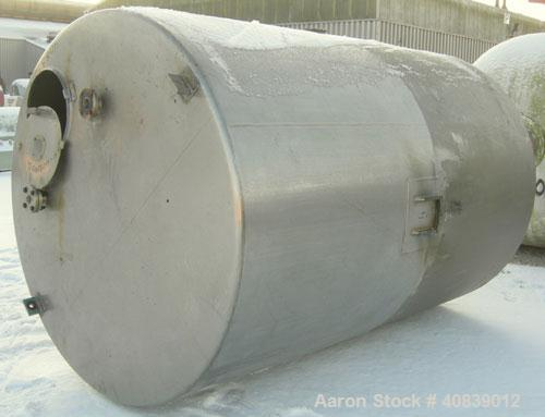"Used- Will-Flow Tank, 2400 Gallon, 304 Stainless Steel, Vertical. 78"" diameter x 114"" straight side. Flat top, dish bottom. ..."