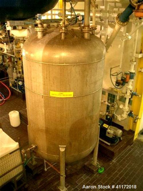 "Used- Echo Engineering Pressure Tank, 1453 Gallon (5,500 liter), Stainless Steel, Vertical. Approximately 70"" (1800 mm) diam..."