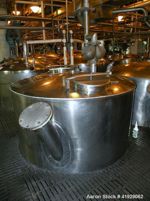 Used- Lee Metal Products Tank, 1500 Gallon, 316 Stainless Steel, Vertical. 76'' Diameter x 56'' straight side, 304 stainless...