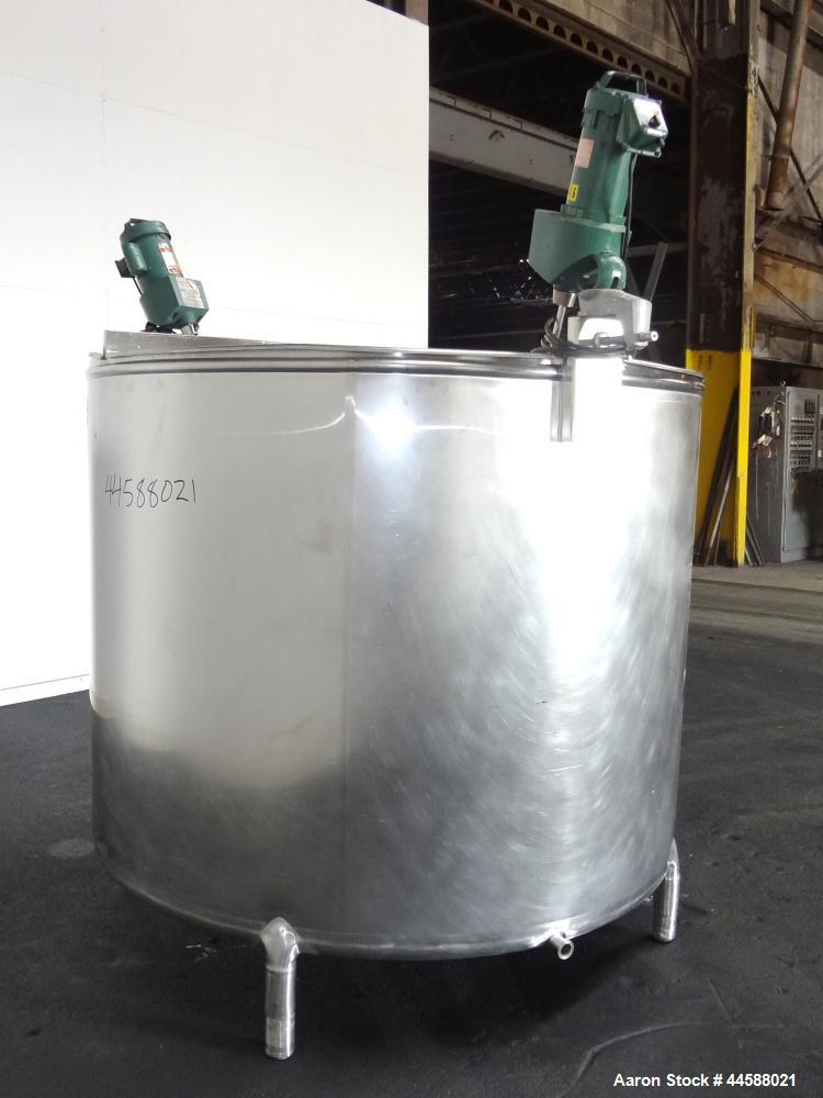 "Used- Mueller Tank, 1000 Gallon, 316 Stainless Steel, Vertical. Approximate 76"" diameter x 57"" straight side, open top with ..."