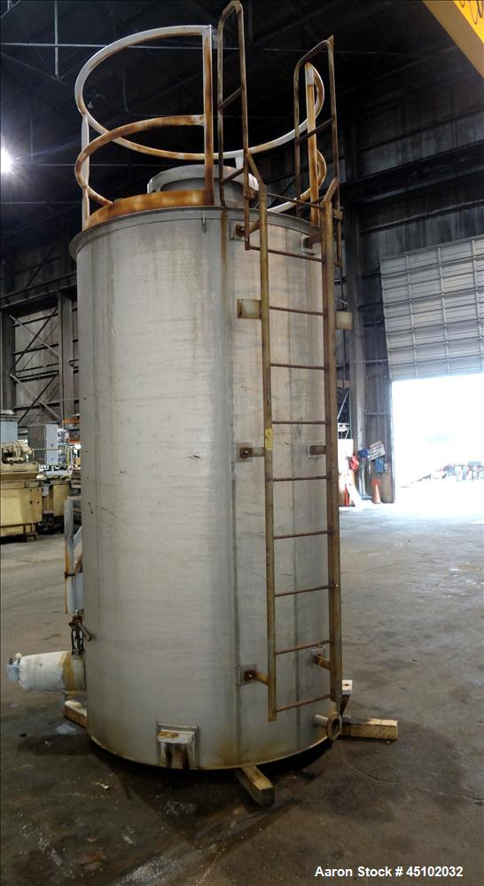 Used- 1,500 Gallon Stainless Steel Apache Stainless Tank