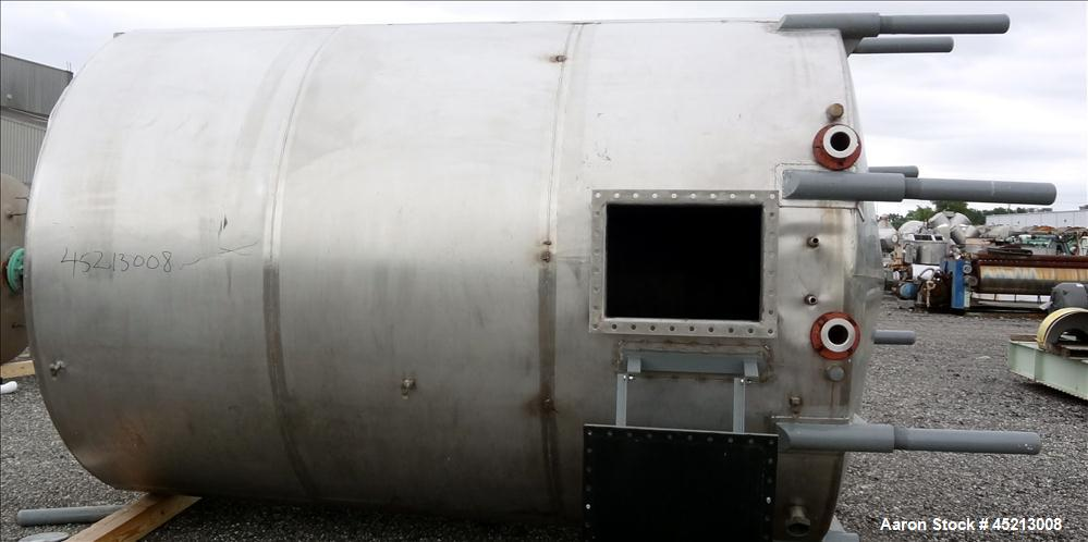 Used- 5200 Gallon Stainless Steel Tri-Canada Fittings Tank