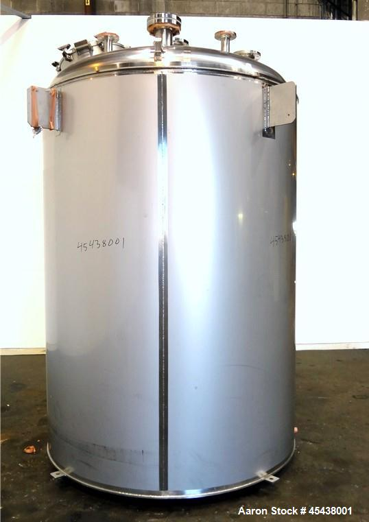 1660 Gallon Stainless Steel Mueller Pressure Tank, Model F