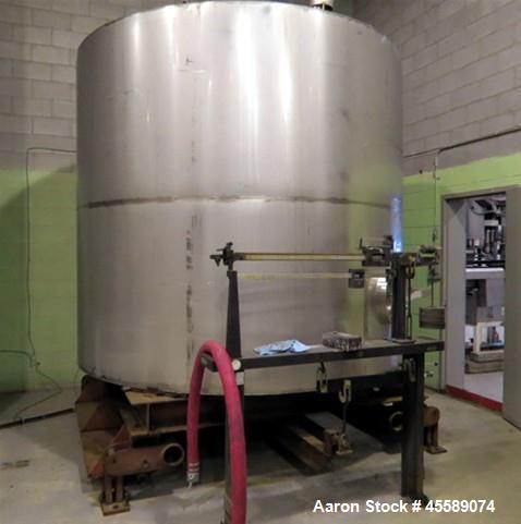 Used- Tank, Approximate 3,500 Gallon, Stainless Steel, Vertical.