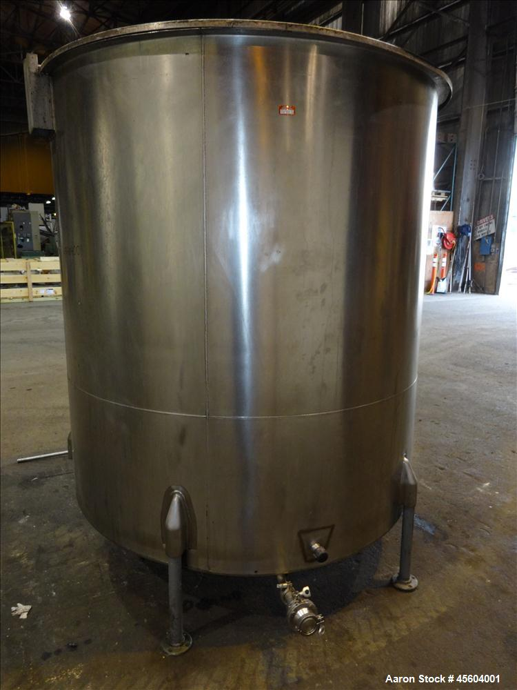Used- 1000 Gallon Stainless Steel Tank