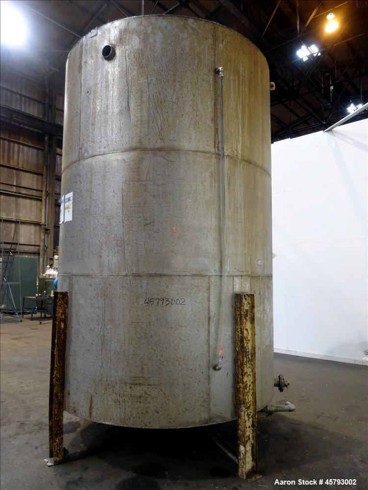 Used- Tank, Approximately  3,800 Gallon, 304 Stainless Steel, Vertical.