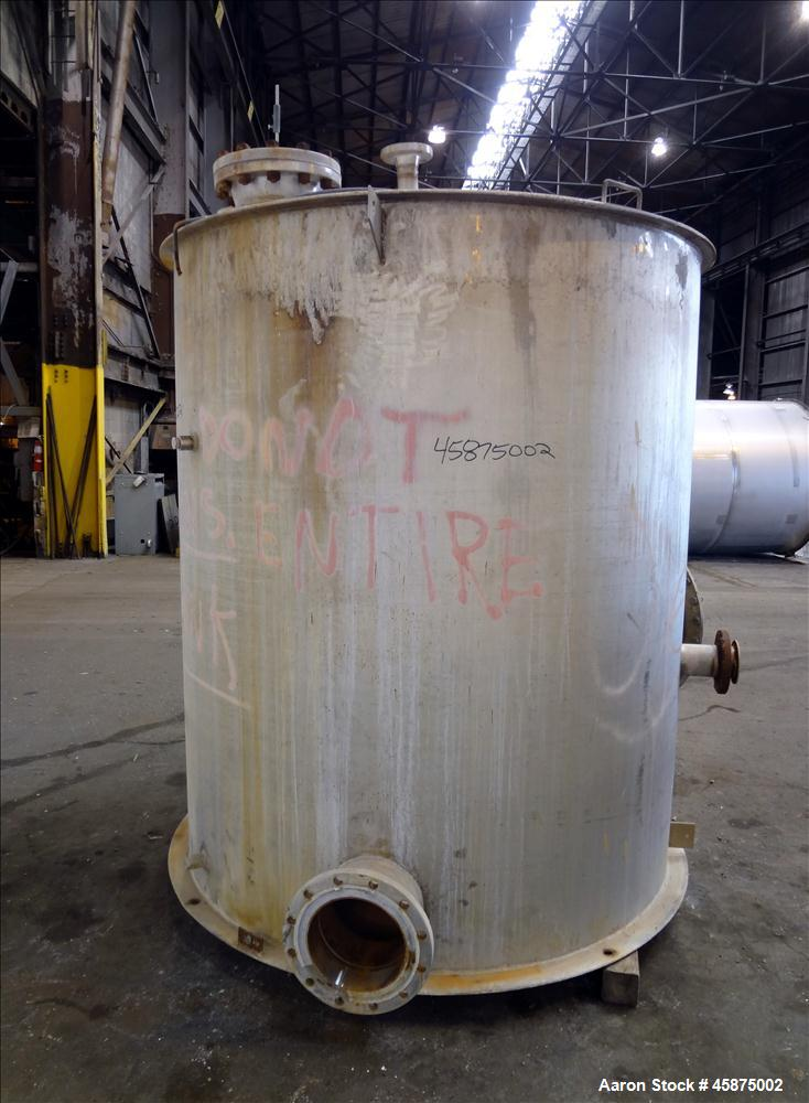 "Used- K & L Welding Tank, Approximately 1400 Gallon, 304 Stainless steel, Vertical. 72"" diameter x 84"" straight side, flat t..."