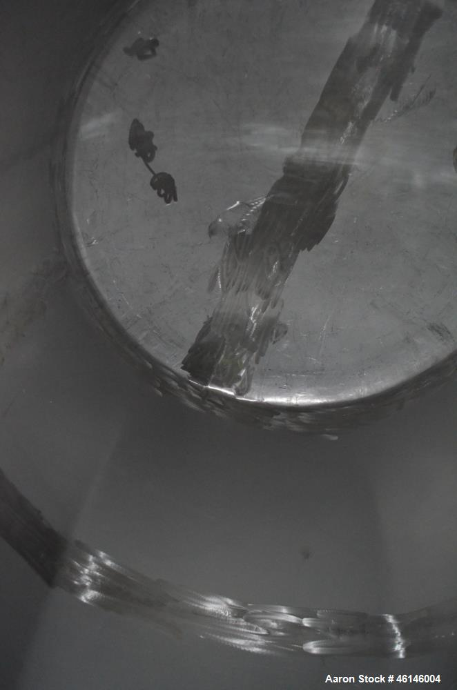 Used- Tank, Approximate 1,300 Gallon, Stainless Steel, Horizontal.