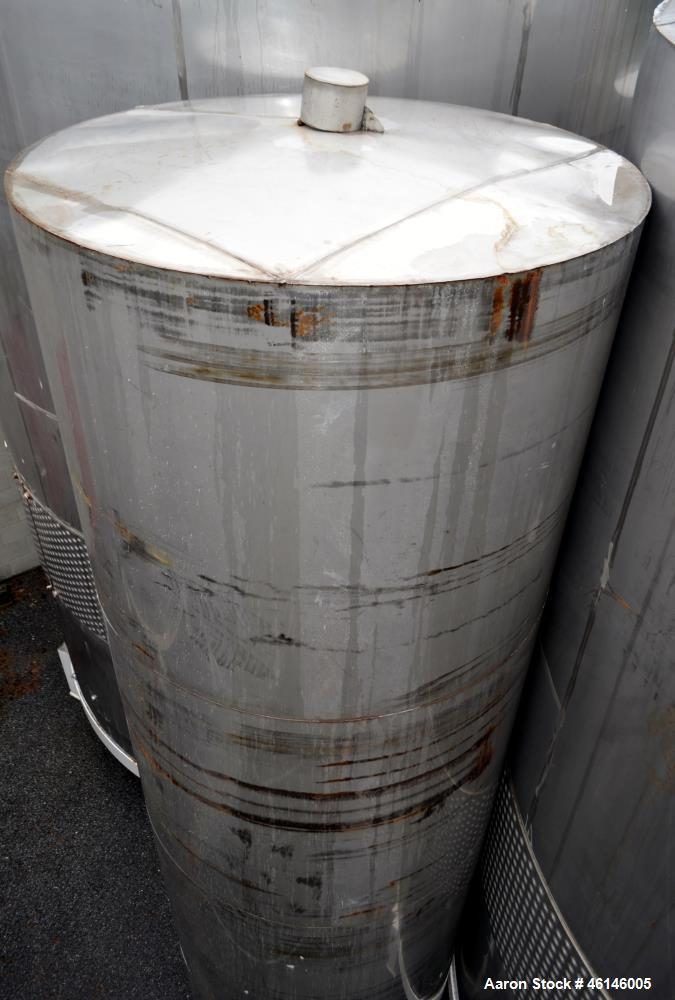 Used- Tank, Approximate 2300 Gallon, Stainless Steel, Vertical.