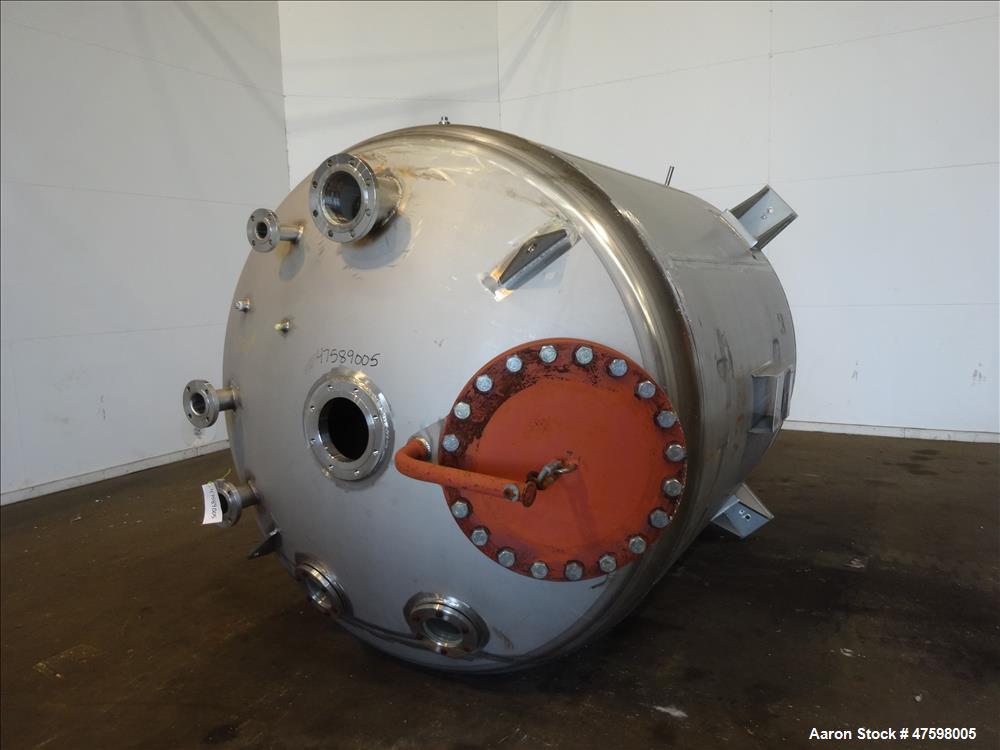 Unused- Crown Iron Works Pressure Tank, 2100 Gallon, 304L Stainless Steel, Verti