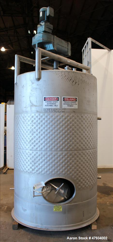 Used- tank, Approximate 1,000 Gallons, 304 Stainless Steel, Vertical