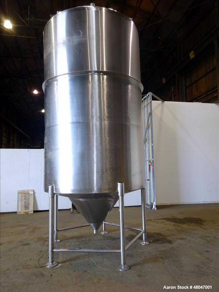 Used- Tank, Approximate 3,200 Gallon, 316 Stainless Steel, Vertical