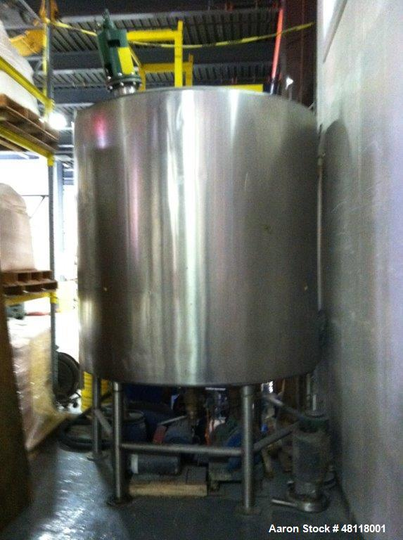 Used- Tank, 2000 Gallon, 304 Stainless Steel, Vertical