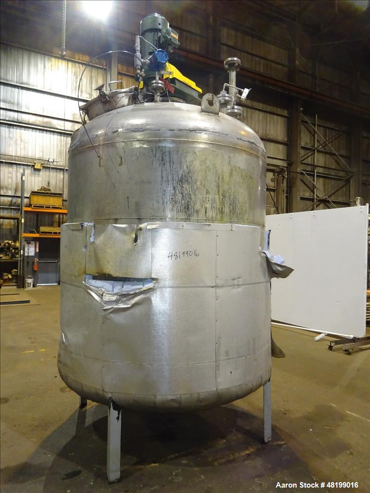 Used- Industrial Piping, 1500 Gallon, 304L Stainless Steel, Vertical Tank.