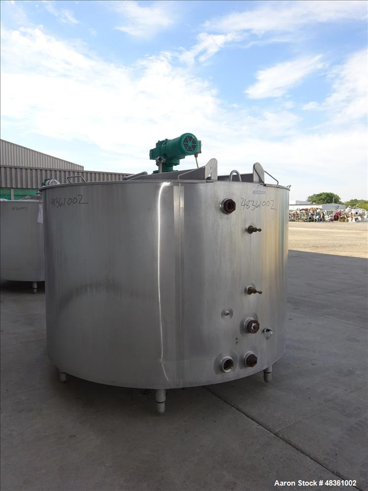 Used- Walker Stainless Mix Tank, Model PZ-B, 1,000 Gallon, 304 Stainless Steel,