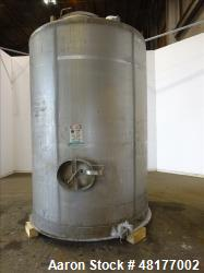 Used- Mueller Tank, Model D, 2700 Gallon, 304 Stainless Steel, Vertical