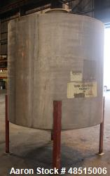 Used- Tank, Approximately 1500 gallon, 304 Stainless Steel, Vertical.