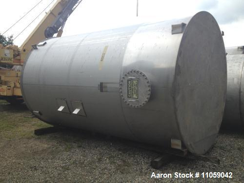 Used- 10000 Gallon Stainless Steel Vertical Tank