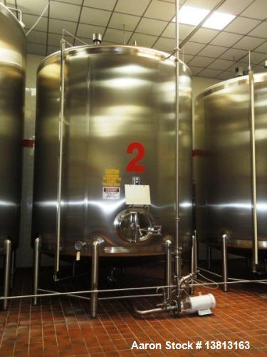 Used- 6,000 Gallon Top Agitated Mixing Tank