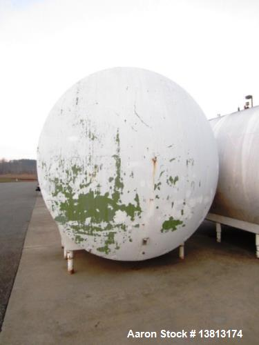 Used- 5,000 Gallon Mild Steel Exterior/Stainless Steel Tank. Interior previously used to store sweeteners. End manway, sight...