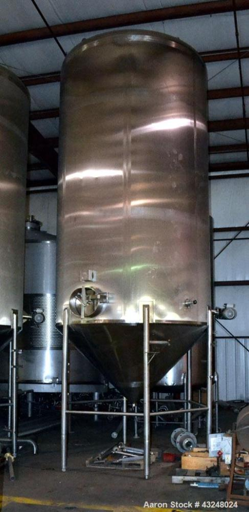 "Used- Apache Tank, 6500 Gallon, 316 Stainless Steel, Vertical. Approximate 102"" diameter x 172"" straight side. Dished top, 7..."
