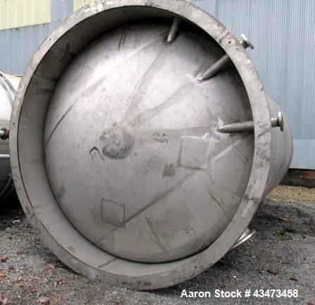 "Used- Robert Mitchell Pressure Tank, 10,000 Gallon, 316L Stainless Steel, Vertical. Approximate 120"" diameter x 192"" straigh..."