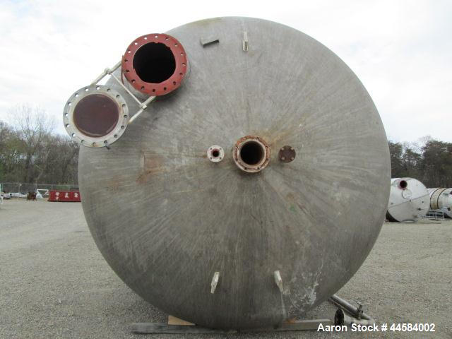 Used-Enerfab Inc Vertical Tank. Approximately 7000 gallons, stainless steel. Approximately 12 ft diameter x 6 ft straight si...
