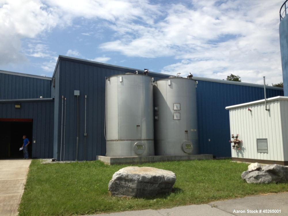 Used-Bendel 10,000 gallon, 316 stainless steel, tank, vertical.