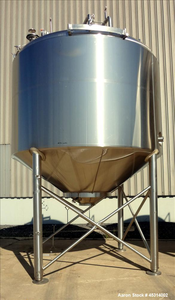 "Unused Mueller Tank, 6000 Gallon, Model ""F"" Fermenter Blend Tank-Non-Jacketed. 304 Stainless Steel Construction.  136"" Inner..."